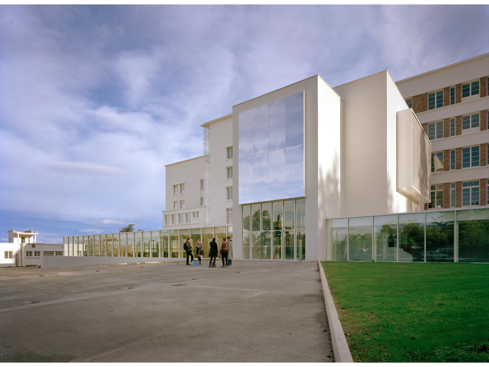 Ecole d 39 architecture de clermont ferrand dominique lyon for Ecole architecture interieur lyon